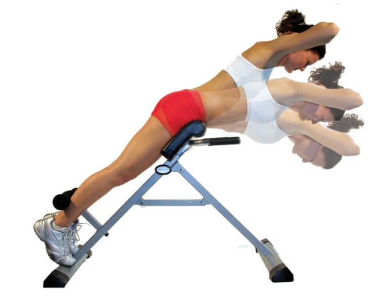 Как правильно делать гиперэкстензию и разные варианты этого упражнения